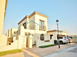 Villas for Sale in Lila