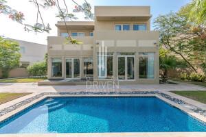 Villas for Rent in La Avenida