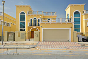 Villas for Rent in Legacy