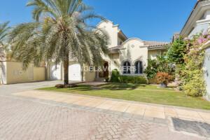Villas for Sale in Garden Homes Frond L