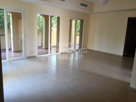 Villas for Rent in Palmera 2
