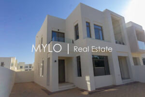 Villas for Sale in Mira Oasis 1