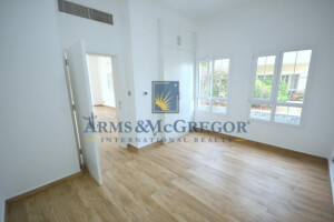 Residential Villa for Sale in The Lakes, Buy Residential Villa in The Lakes