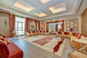 Villas for Sale in Umm Suqeim, Dubai