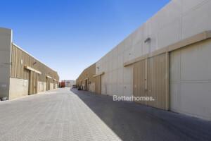 مستودعات للإيجار في الإمارات